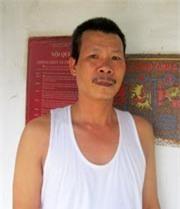 Tên Hồ Đình Châu bị khởi tố tội danh Hành hạ người khác.