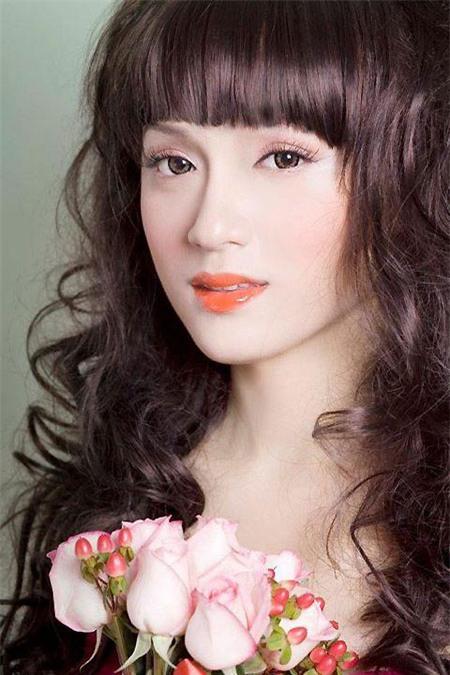 Hương Giang Idol khao khát được làm mẹ - 2