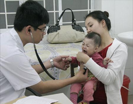 Lưu ý khi đưa trẻ đi khám bệnh - 1