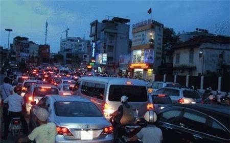 Đàn Xã Tắc, Hà Nội, Ô Chợ Dừa, Chủ đầu tư, Vận tải, ùn tắc, tắc đường