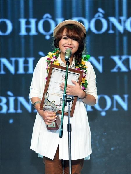 """Bốn nữ ca sĩ 9X tài năng và """"sạch sẽ"""" của nhạc Việt 2"""