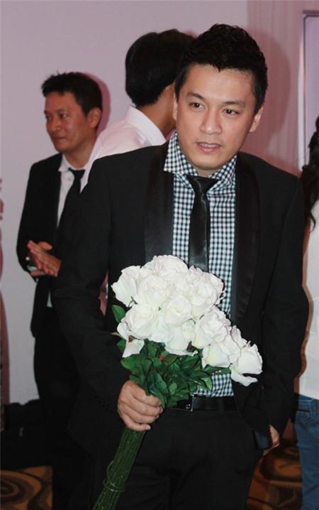 Lam Trường bị đồn tổ chức đám cưới bí mật với bạn gái 9X 2