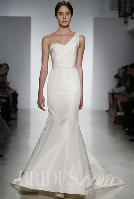 Chọn váy cưới lộng lẫy mà thoải mái cho cô dâu mùa hè 12