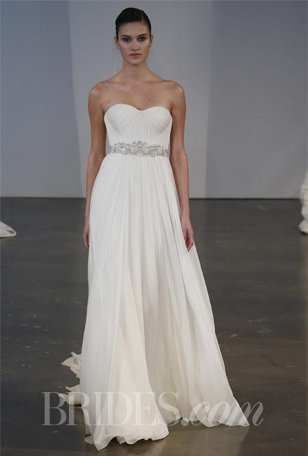 Chọn váy cưới lộng lẫy mà thoải mái cho cô dâu mùa hè 2
