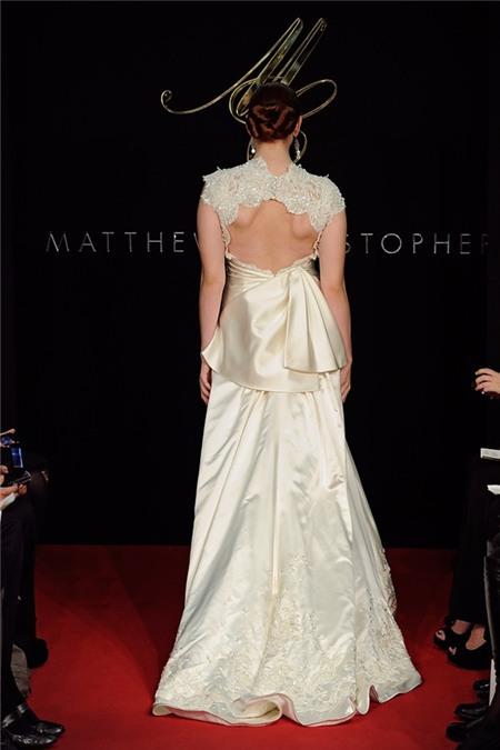 Chọn váy cưới lộng lẫy mà thoải mái cho cô dâu mùa hè 20