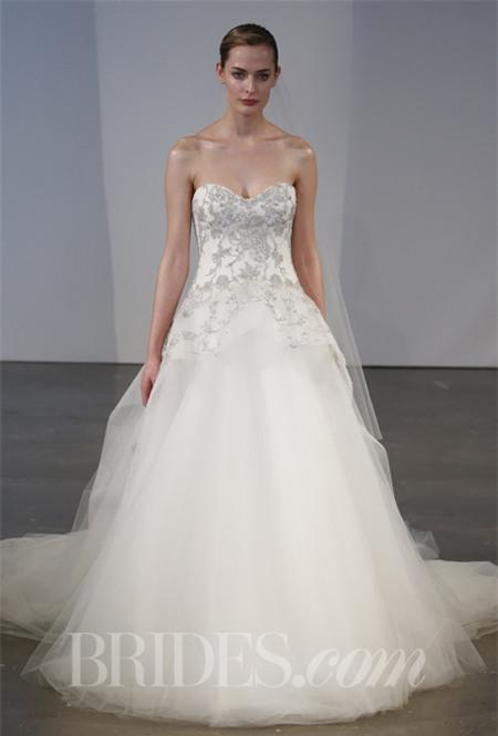 Chọn váy cưới lộng lẫy mà thoải mái cho cô dâu mùa hè 25