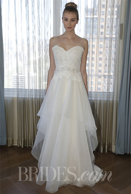 Chọn váy cưới lộng lẫy mà thoải mái cho cô dâu mùa hè 26