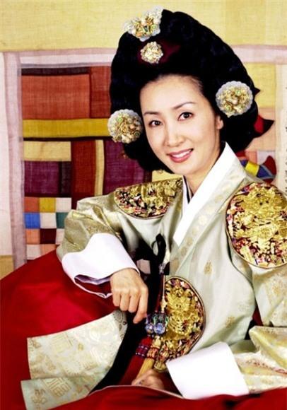 Đọ sắc 9 nàng Jang Ok Jung trong lịch sử 13