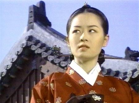 Đọ sắc 9 nàng Jang Ok Jung trong lịch sử 15