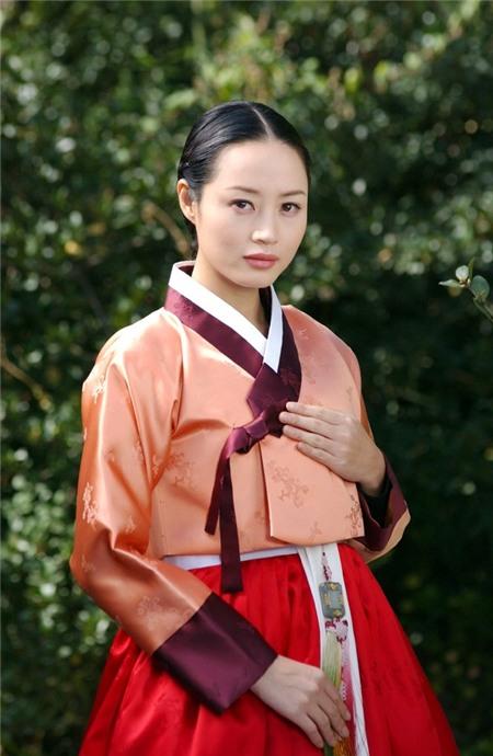 Đọ sắc 9 nàng Jang Ok Jung trong lịch sử 18