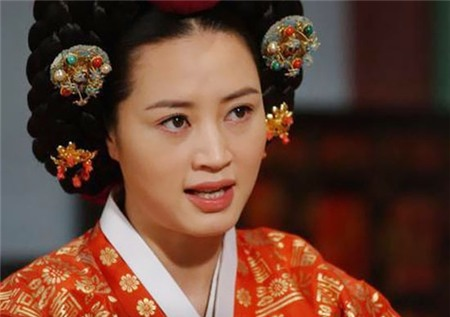 Đọ sắc 9 nàng Jang Ok Jung trong lịch sử 19