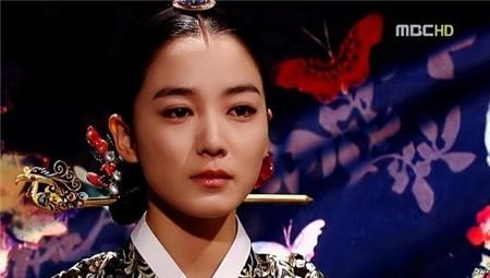 Đọ sắc 9 nàng Jang Ok Jung trong lịch sử 23