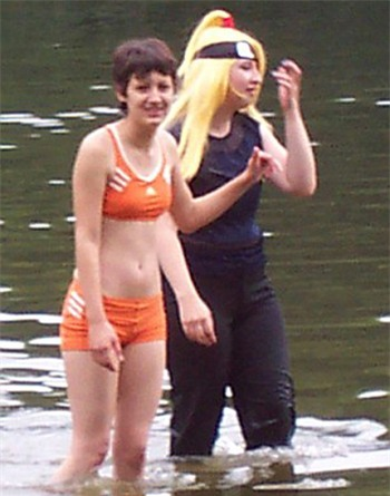 Vòng eo 63,5cm của Michele năm 2008. Ảnh: Barcroft Media