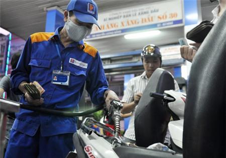 Bộ Tài chính cho biết, trong tháng 8/2013 giá các chủng loại xăng dầu trong nước có thể được giữ ổn định so với tháng 7/2013.