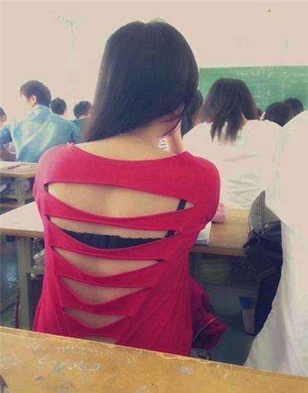 Thời trang học đường khó coi của nữ sinh - 1