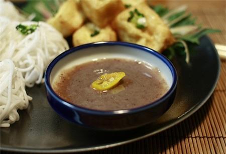 đặc sản, tiết canh, thịt chó, mắm tôm, trứng vịt lộn, đặc sản Việt Nam, món ăn lạ,