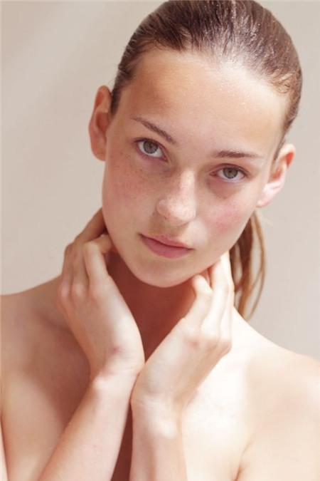 7 sai lầm làm hại da bạn thường mắc phải khi rửa mặt 1