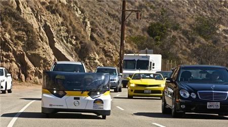 Chiếc xe chạy 800 km chỉ với một lần sạc