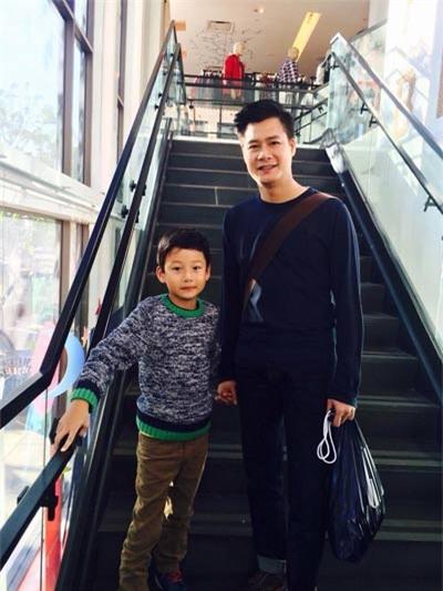 Bảo Nam bảnh bao bên bố Quang Dũng - 2