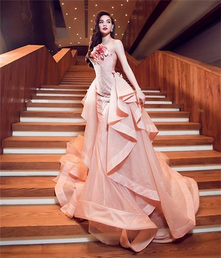 Tuyển tập váy pastel đẹp miễn chê của Hồ Ngọc Hà - 11