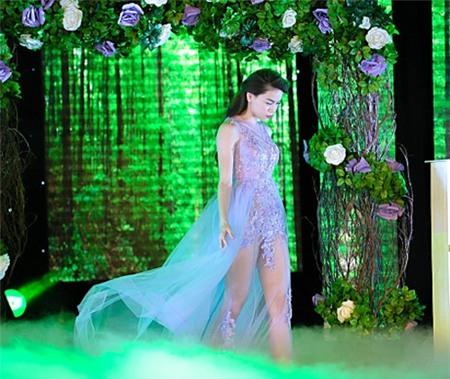 Tuyển tập váy pastel đẹp miễn chê của Hồ Ngọc Hà - 2
