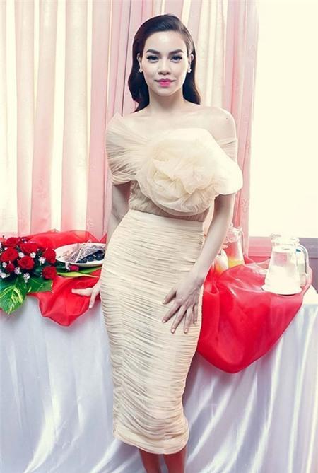 Tuyển tập váy pastel đẹp miễn chê của Hồ Ngọc Hà - 8