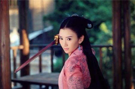 10 vai phụ đàn áp nhan sắc của Tiểu Long Nữ 2014 1