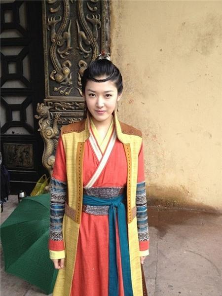 10 vai phụ đàn áp nhan sắc của Tiểu Long Nữ 2014 4