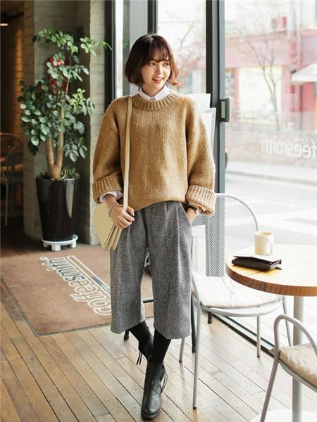 3 màu áo len cơ bản cần có trong tủ đồ mùa đông 17