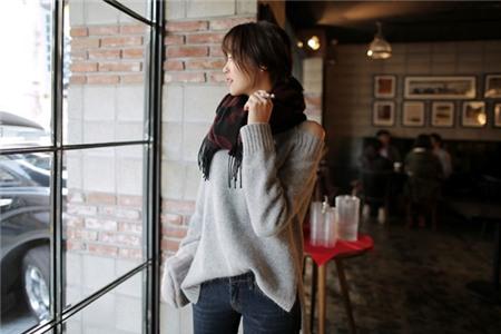3 màu áo len cơ bản cần có trong tủ đồ mùa đông 4