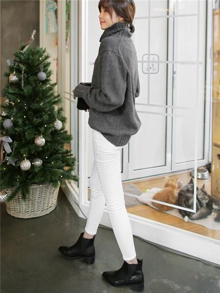 3 màu áo len cơ bản cần có trong tủ đồ mùa đông 6