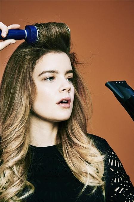 """Học cách tạo kiểu để có mái tóc """"phiêu"""" như quý cô nước Pháp 15"""