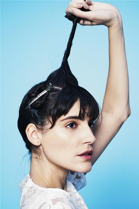 """Học cách tạo kiểu để có mái tóc """"phiêu"""" như quý cô nước Pháp 2"""