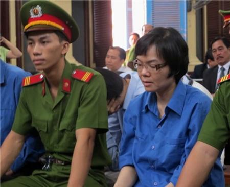 Huyền Như bị điều tra tội tham ô.
