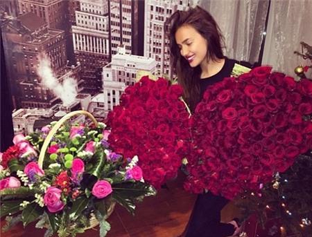 Ai tặng hoa cho Irina Shayk trong ngày sinh nhật?