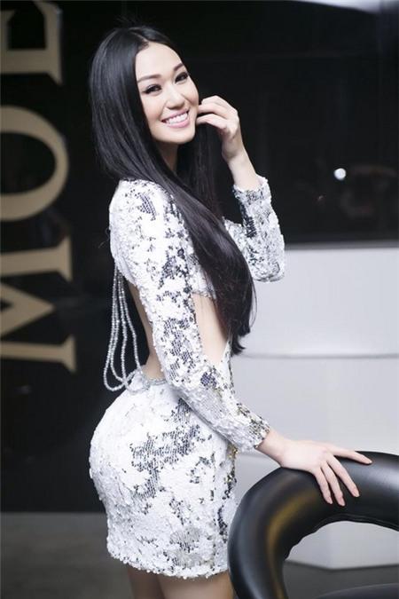 """Khánh My: """"Đàn ông thích dòm ngực phụ nữ là bình thường"""" - 5"""
