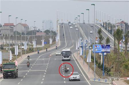 Lộn xộn lưu thông trên đường mới Võ Nguyên Giáp
