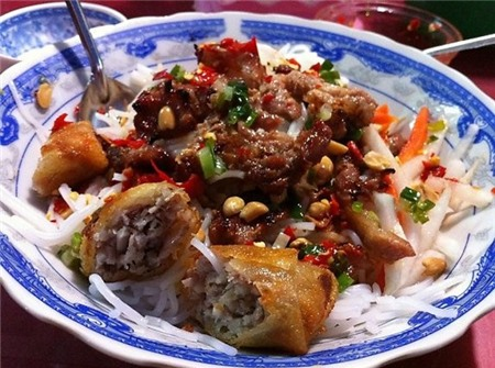 5 con hẻm ăn vặt trứ danh của Sài Gòn 6