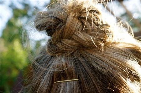 3 kiểu tóc búi duyên dáng không tốn quá 10 phút để tự thực hiện 10