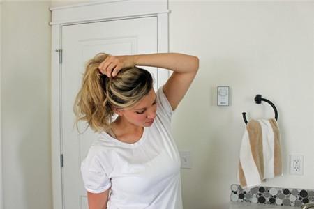 3 kiểu tóc búi duyên dáng không tốn quá 10 phút để tự thực hiện 3