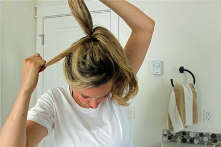 3 kiểu tóc búi duyên dáng không tốn quá 10 phút để tự thực hiện 5