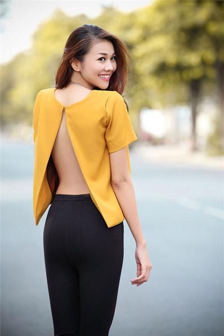 5 tấm lưng trần mướt mắt nhất showbiz Việt - 17