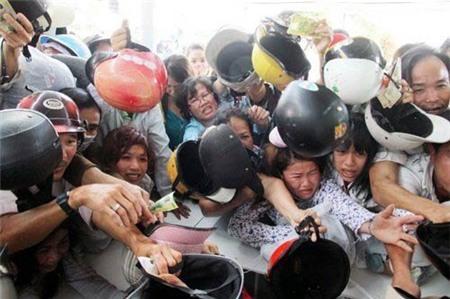 Người Việt, Đặc tính, quan liêu, lười biếng, sính ngoại