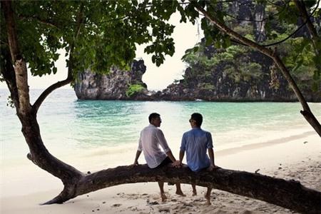 Top 5 hình ảnh showbiz Việt ý nghĩa gây xúc động