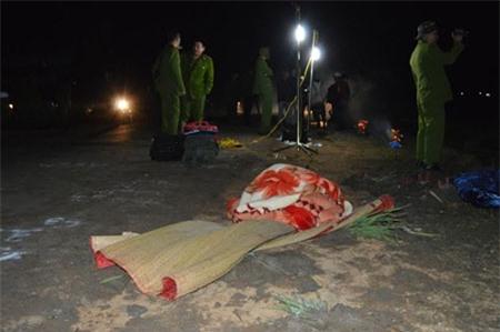 Cợ chồng và con gái 7 tuổi bị xe bồn cán chết trong đêm