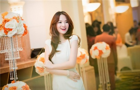 Sao Việt rạng rỡ và tươi tắn hơn với màu tóc nhuộm nâu 11
