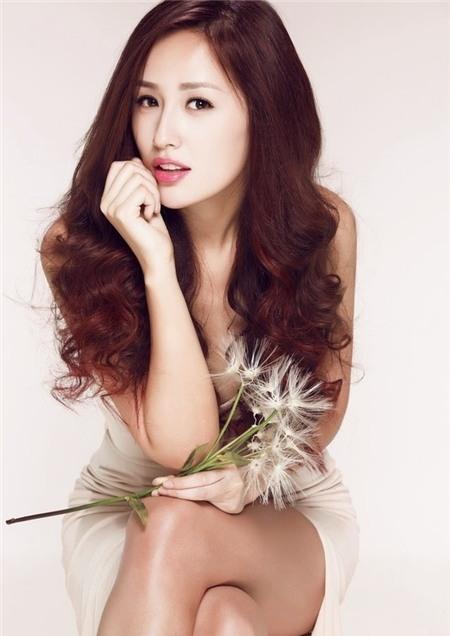 Sao Việt rạng rỡ và tươi tắn hơn với màu tóc nhuộm nâu 9