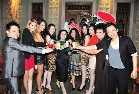 4 đại gia được nhiều sao hàng đầu showbiz Việt nể nang nhất 18