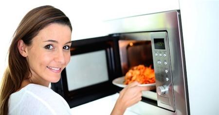 5 hiểu lầm và sự thật về sử dụng lò vi sóng trong nấu nướng 2