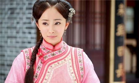 Sau thành công của bộ phim Cung tỏa tâm ngọc (2003), cái tên Dương Mịch trở thành ngôi sao sáng trên màn ảnh xứ Trung. Thế nhưng diễn xuất của cô cũng gây ra nhiều tranh cãi.